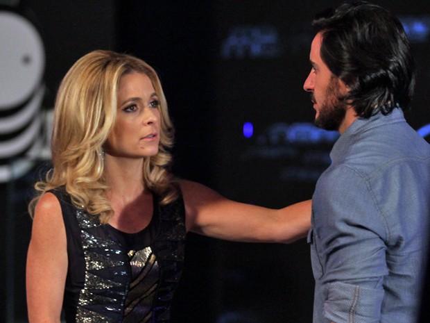 Seguindo o fluxo, Pamela também questiona Herval  (Foto: Pedro Curi / TV Globo)