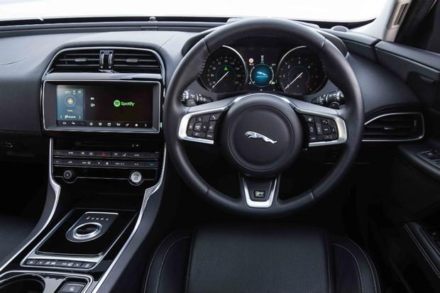 A Jaguar Land Rover anunciou uma parceria com o Spotify para a criação de um aplicativos para seus carros (Foto: Divulgação)