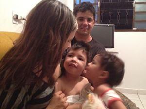 Crianças com leucodistrofia metacromática em Goiânia (Foto: Gabriela Lima/G1)