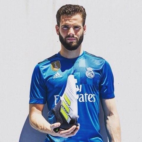 Nacho Fernandez anunciou sem querer a nova camisa do Real Madrid (Foto: reprodução/Instagram)