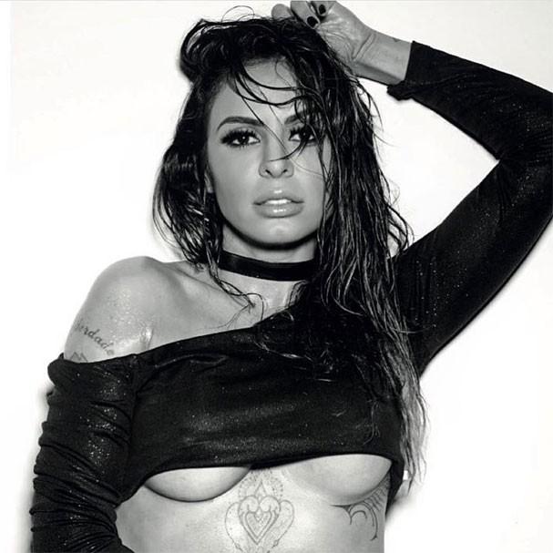 Alinne Rosa para Playboy (Foto: Reprodução/Instagram)