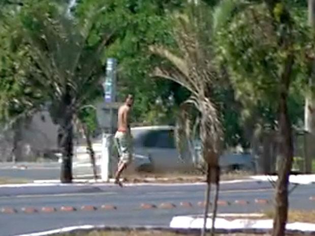 Suspeito de tentativa de estupro no DF durante fuga (Foto: TV Globo/Reprodução)