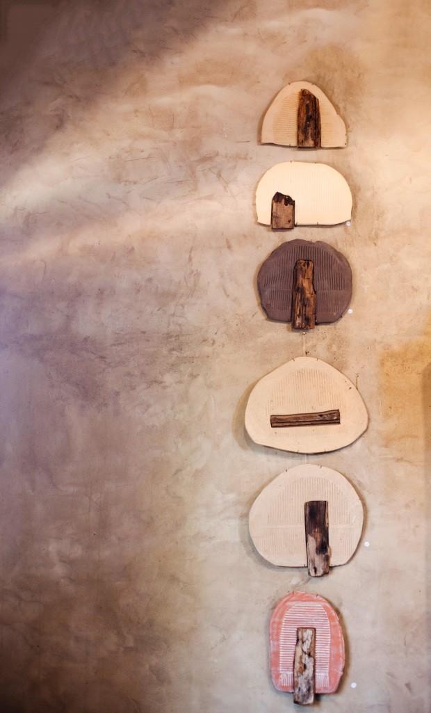 Quadros da coleção Memória, de Nicia Braga (Foto: Helena Leão / Editora Globo)