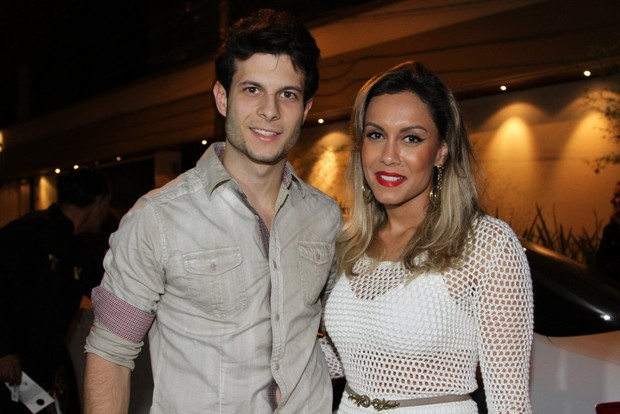Lia Khey e o namorado na festa de Danilo Faro (Foto: Caio Duran e Thiago Duran / AgNews)