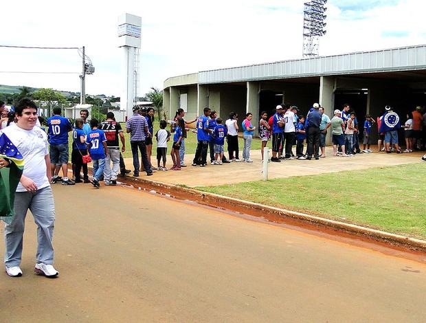 torcida do Cruzeiro para o jogo contra o Mamoré (Foto: Marco Antônio Astoni / Globoesporte.com)