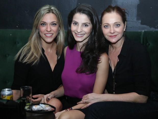 Júlia Rabello, Giselle Batista e Alexandra Richter em show na Zona Sul do Rio (Foto: Roberto Filho/ Brazil News)