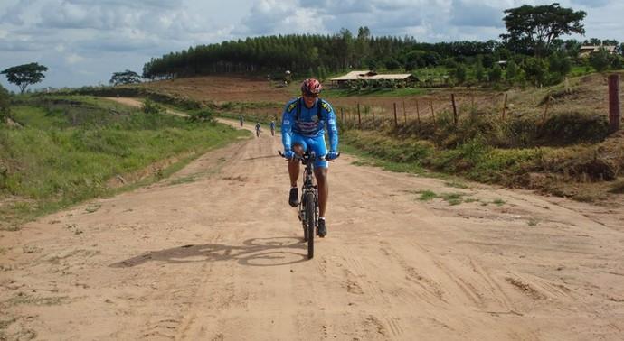 Ciclistas irão encarar trecho de 140km entre Presidente Prudente e Panorama (Foto: Divulgação)