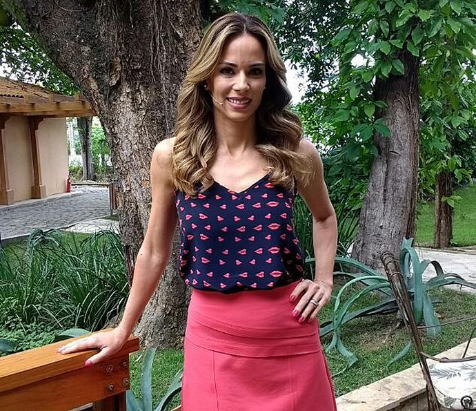Ana Furtado aposta em look romântico (Foto: Carolina Berger/Gshow)