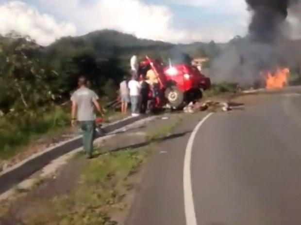 Acidente deixou quatro mortos e um ferido (Foto: Reprodução EPTV)