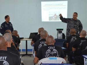 Agentes carcerários, policiais militares e guardas civis participam de curso (Foto: Natacha Portal/G1 RR)