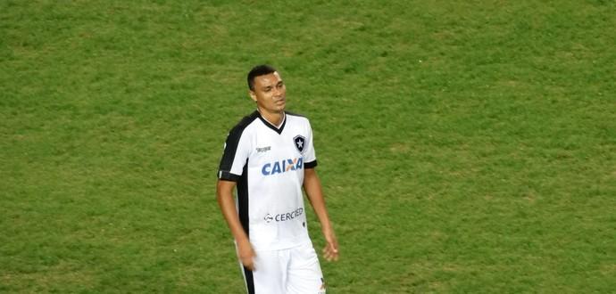 Emerson Silva, zagueiro do Botafogo (Foto: Guilherme Frossard)