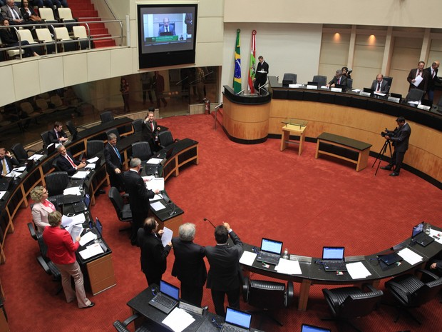 Votação ocorreu na tarde desta terça-feira (25) (Foto: Miriam Zomer/Agência )