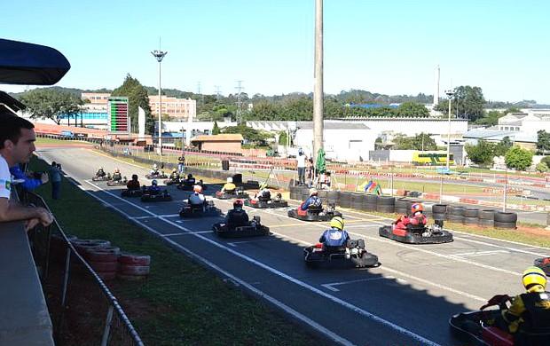 Pilotos representaram o Espírito Santo em competição de kart em São Paulo (Foto: Divulgação/Fãs de Kart)