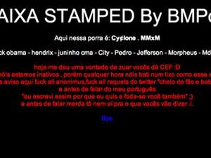 Hackers escreveram mensagens em página da Caixa (Foto: Reprodução)