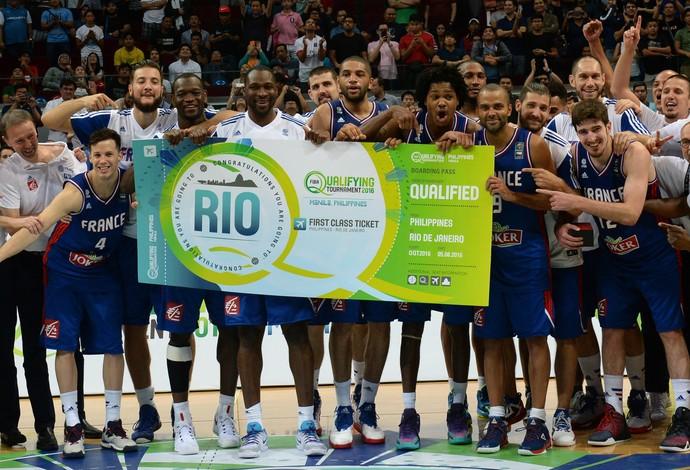 Jogadores da França comemoram a classificação para os Jogos do Rio (Foto: AFP)