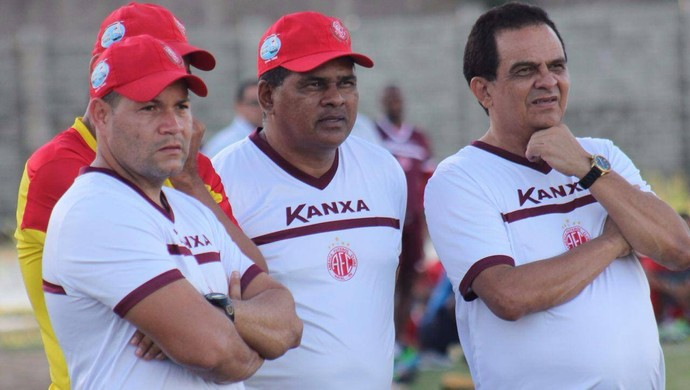 Francisco Diá - técnico do América-RN, Romildo Freire - auxiliar e Hebert Araújo - preparador físico (Foto: Canindé Pereira/América FC)