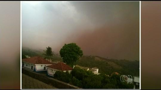 Nuvem de poeira assusta moradores de Ceres e Rialma, GO; veja vídeo