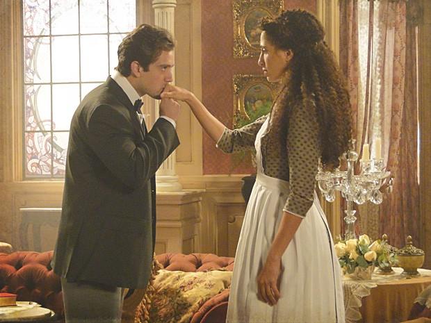 Albertinho se apresenta para Isabel como um estudante pobre (Foto: Lado a Lado / TV Globo)