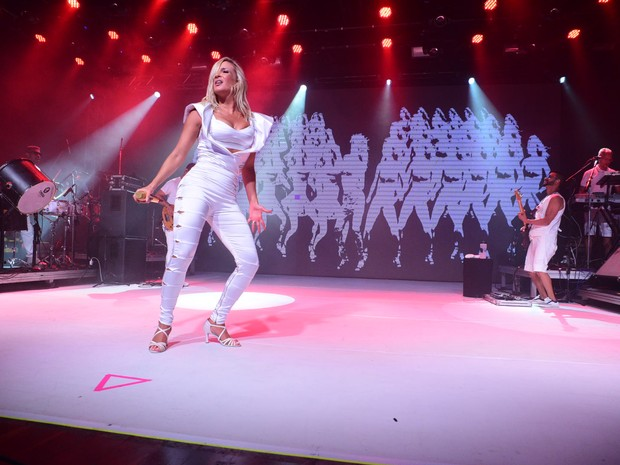 Claudia Leitte em show em São Paulo (Foto: Leo Franco/ Ag. News)