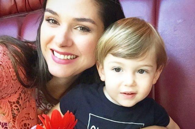 Fernanda Machado com o filho, Lucca (Foto: Reprodução)
