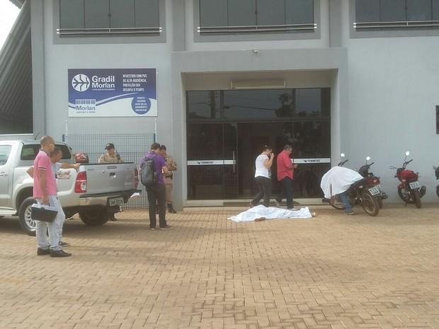 Jovens morreram durante tentativa de assalto em Palmas (Foto: Ana Paula/TV Anhanguera)