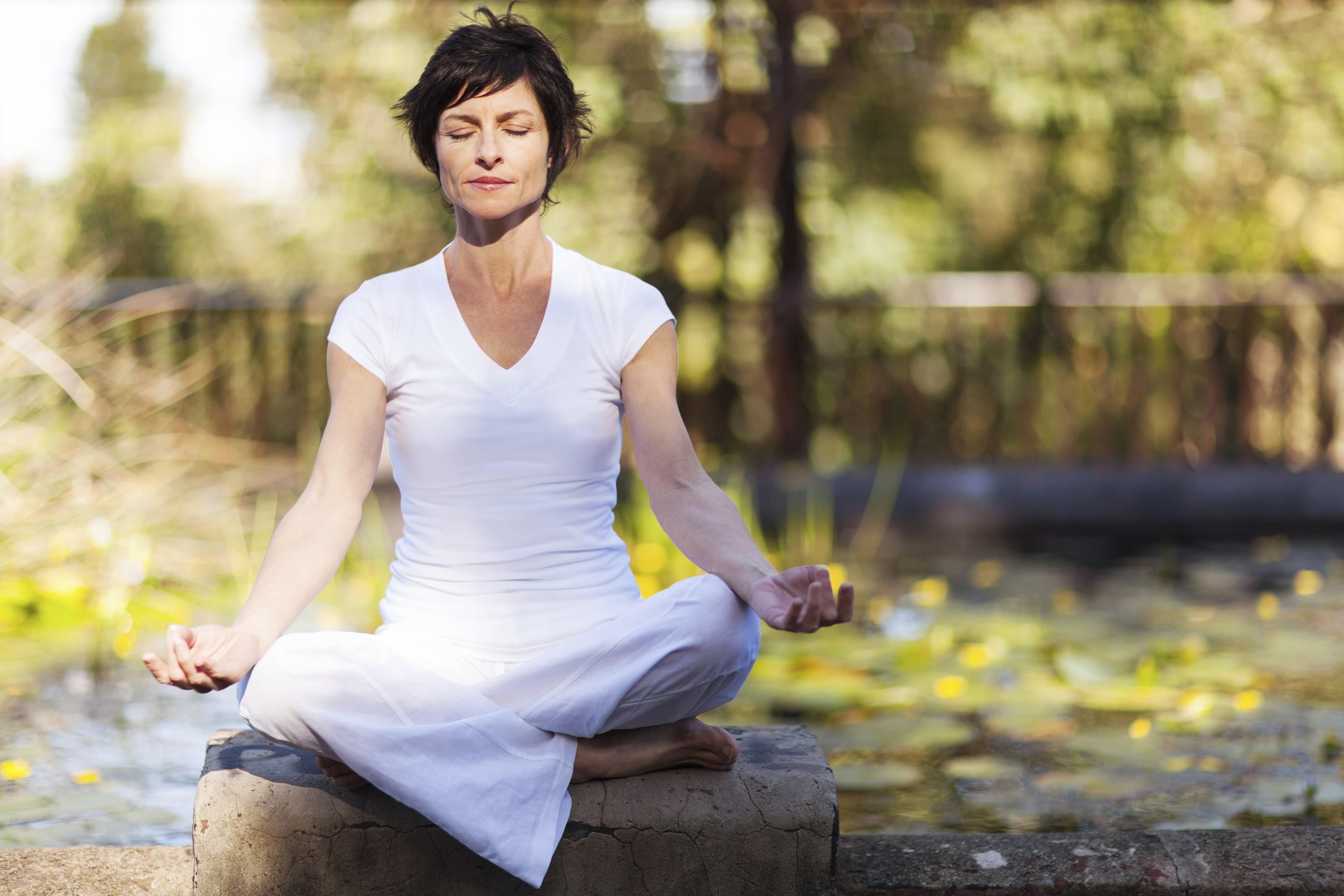 Meditar pode ajudar a melhorar sua vida sexual (Foto: Think Stock)