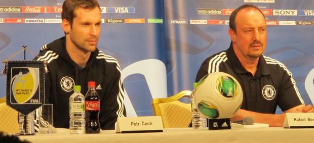 Petr Cech e Rafa Benítez em entrevista coletiva (Foto: Cahê Mota / Globoesporte.com)