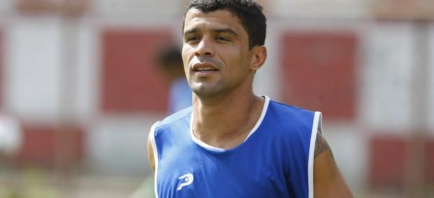 Rafael Paty marcou o primeiro gol dele com a camisa do Santa Cruz (Foto: Marcelo Seabra / O Liberal)