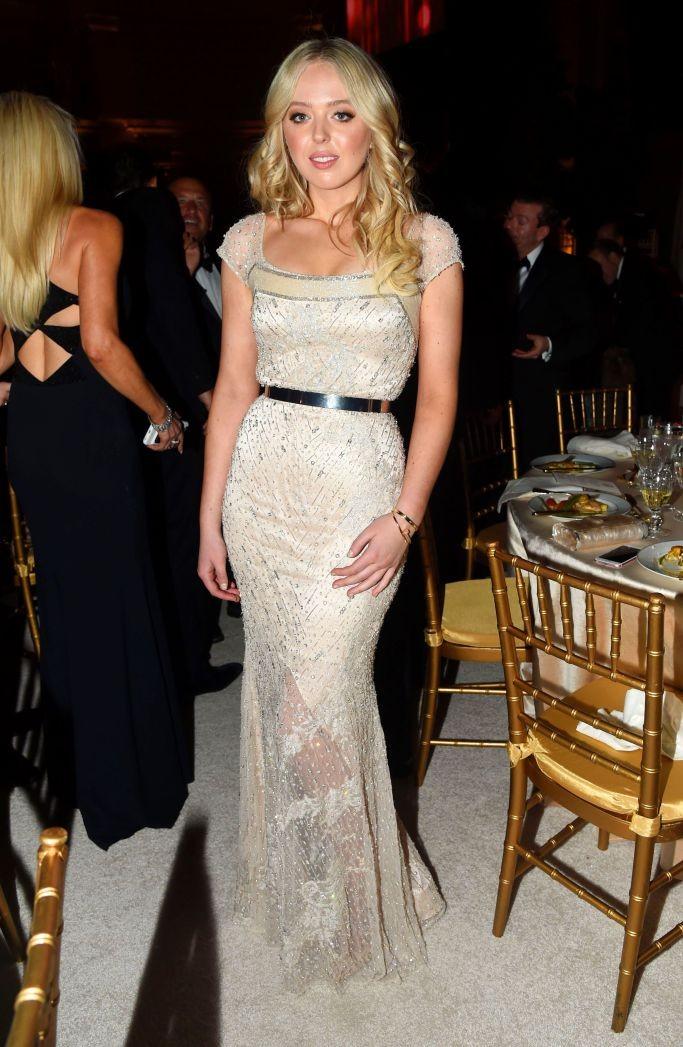Tiffany Trump veste Anne Bowen (Foto: Reprodução/WWD)