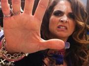 Bomba! Veja o vídeo que detona patroetes (Cheias de Charme / TV Globo)