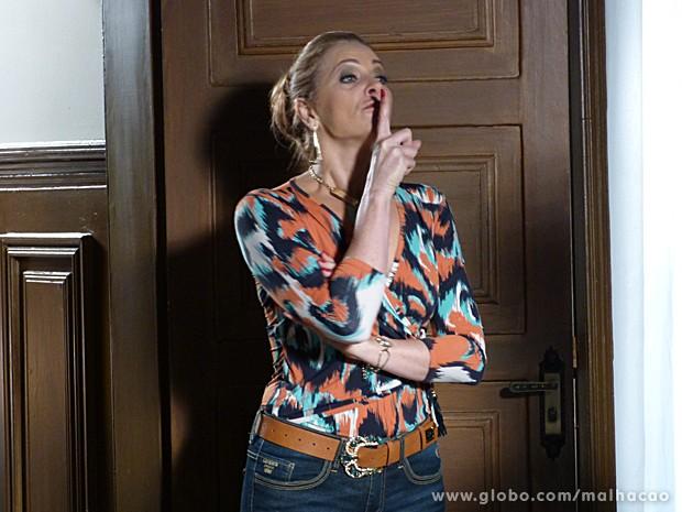 Maura fica uma fera ao ouvir os planos de Sidney (Foto: Malhação / TV Globo)