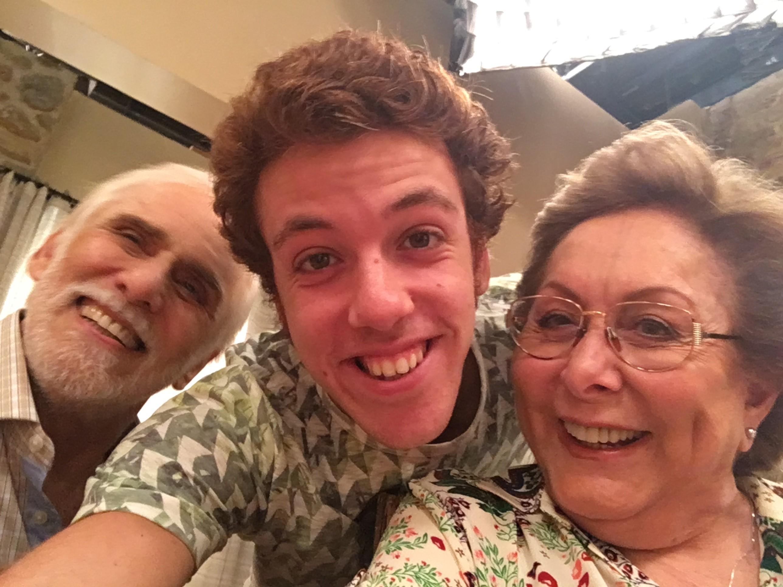 Aracy Balabanian Cheap joão côrtes tira selfie com francisco cuoco e aracy balabanian