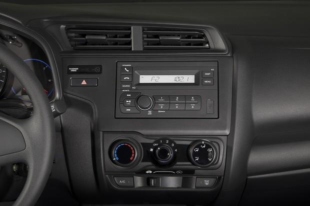Honda Fit DX Interior (Foto: Divulgação)