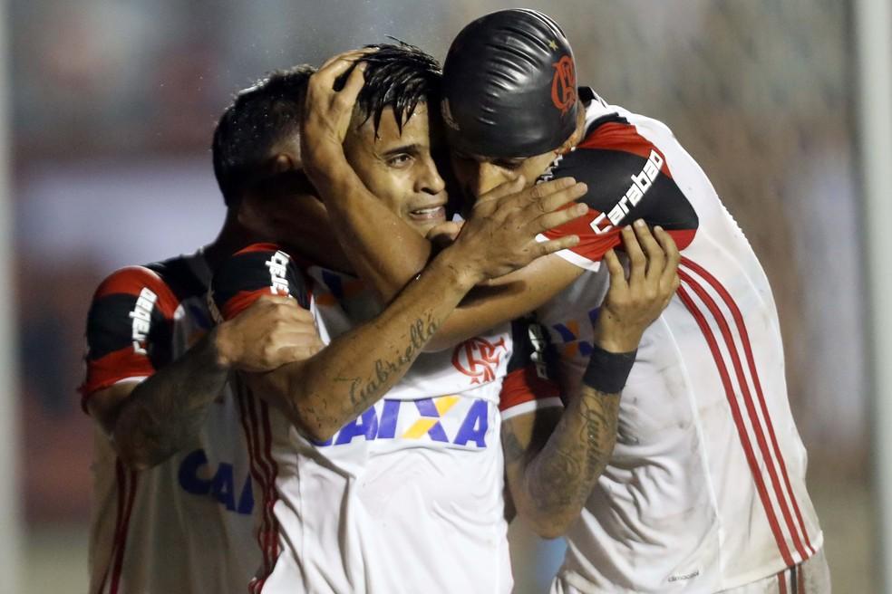 Ederson Everton Atlético-GO x Flamengo (Foto: FRANCISCO STUCKERT/RAW IMAGE/ESTADÃO CONTEÚDO)