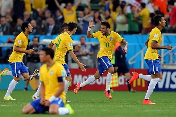 Neymar abre o placar para o Brasil no jogo de estreia na Copa do Mundo contra a Croácia (Foto: Jefferson Bernardes / Vipcomm)