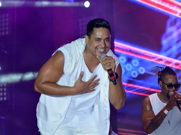 Harmonia do Samba toca sucessos durante show em Salvador (Foto: Joilson César/ Ag. Haack)