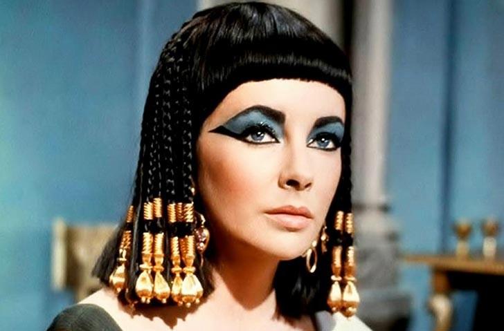Elizabeth Taylor como Cleópatra no filme de 1963 (Foto: Divulgação)