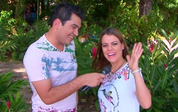 Ana Paula Valadão é entrevistada no programa (Foto: Zappeando)
