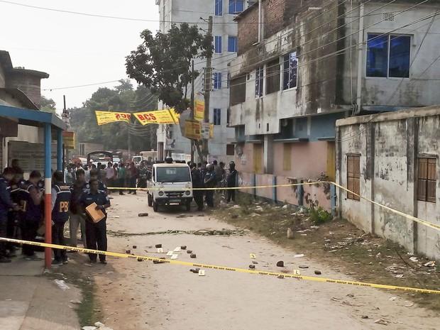 Local onde um padre foi assassinato em Bangladesh (Foto: AP)