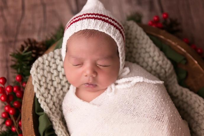 Sessão de newborn dura em média duas a três horas (Foto: Catianne Oliveira)