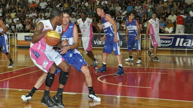 Bauru x Limeira - Paulista de basquete (Foto: Sérgio Domingues/HDR Photo)