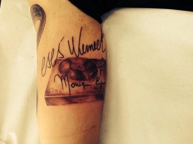 Cacá Werneck mostra tatuagem (Foto: Reprodução/Instagram)