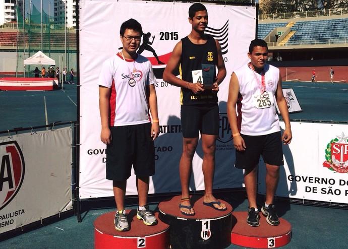 Eduardo Setsuo Miyamura Arremesso de Peso Jogos Escolares Adamantina (Foto: Ricardo Yuske Miyamura / Arquivo Pessoal)