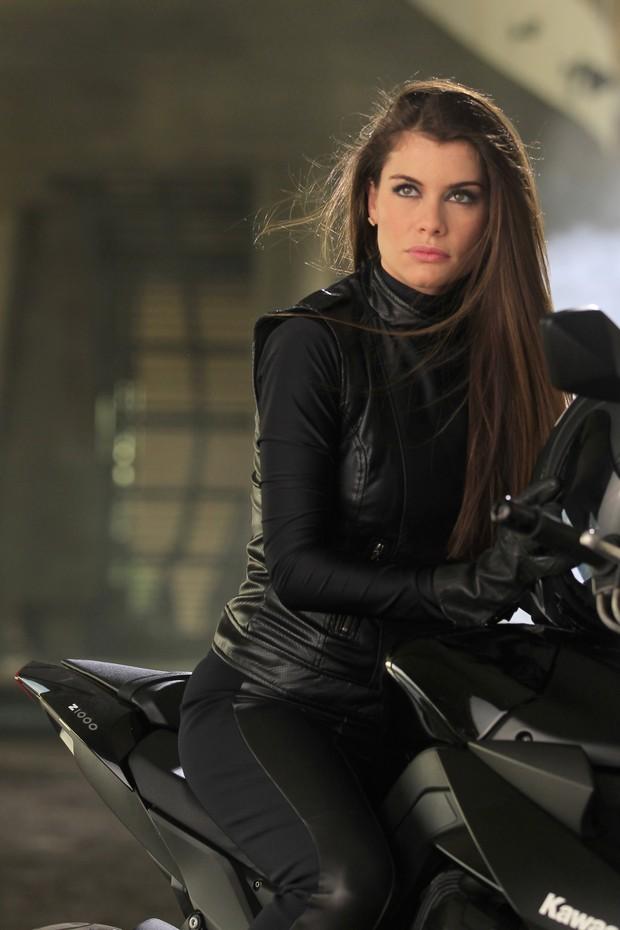 cd364b8004351 EGO - Alinne Moraes fala sobre início da carreira de modelo   Me via ...