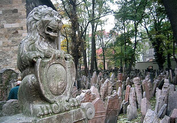 Cemitério Judaico de Praga (Foto: Postdlf/Creative Commons)