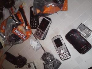 Material foi encontrado em sacos de leite (Foto: Divulgação/Sinpoljuspi)
