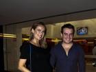 Thaís Pacholek desfila barriga de grávida ao lado de Belutti em evento