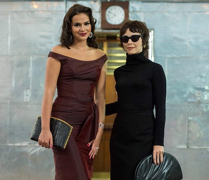 Débora Falabella e Bruna Marquezine são pura elegância retrô (Foto: Estevam Avelar/Globo)