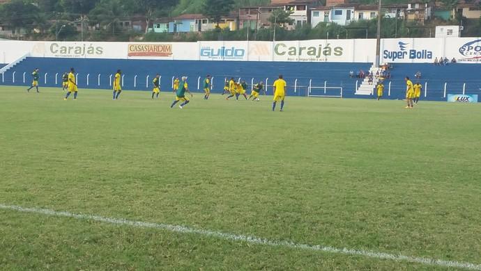 CSA realizou último coletivo antes da final nesta sexta-feira (Foto: Augusto Oliveira / GloboEsporte.com)