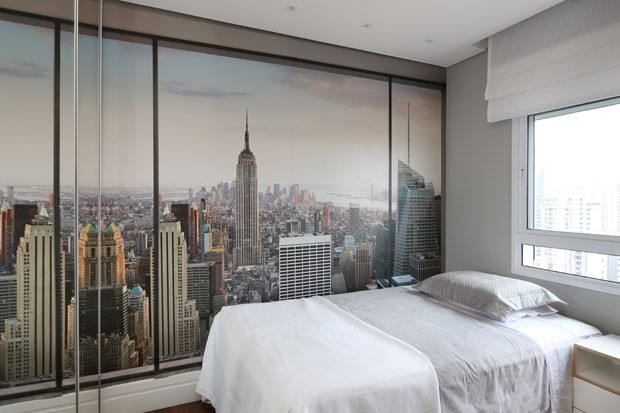 Apartamento clean tem varanda integrada e jardim vertical (Foto: Divulgação)
